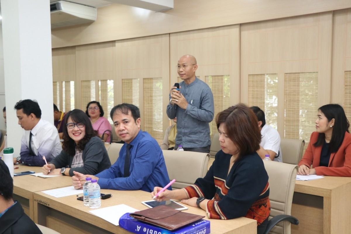 ผู้บริหาร คณาจารย์ และเจ้าหน้าที่คณะศึกษาศาสตร์ มช. เข้าพบปะ คณะกรรมการสรรหาคณบดี