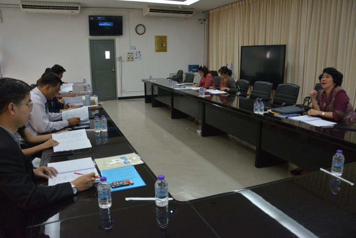คณะศึกษาศาสตร์ มช. ร่วมรับฟังข้อเสนอแนะการทำ SAR EdPEx200 โดย รองศาสตราจารย์ อุษณีย์ คำประกอบ รองอธิการบดี และ ศ.ดร.วิภาดา คุณาวิกติกุล คณบดี คณะพยาบาลศาสตร์ มช.
