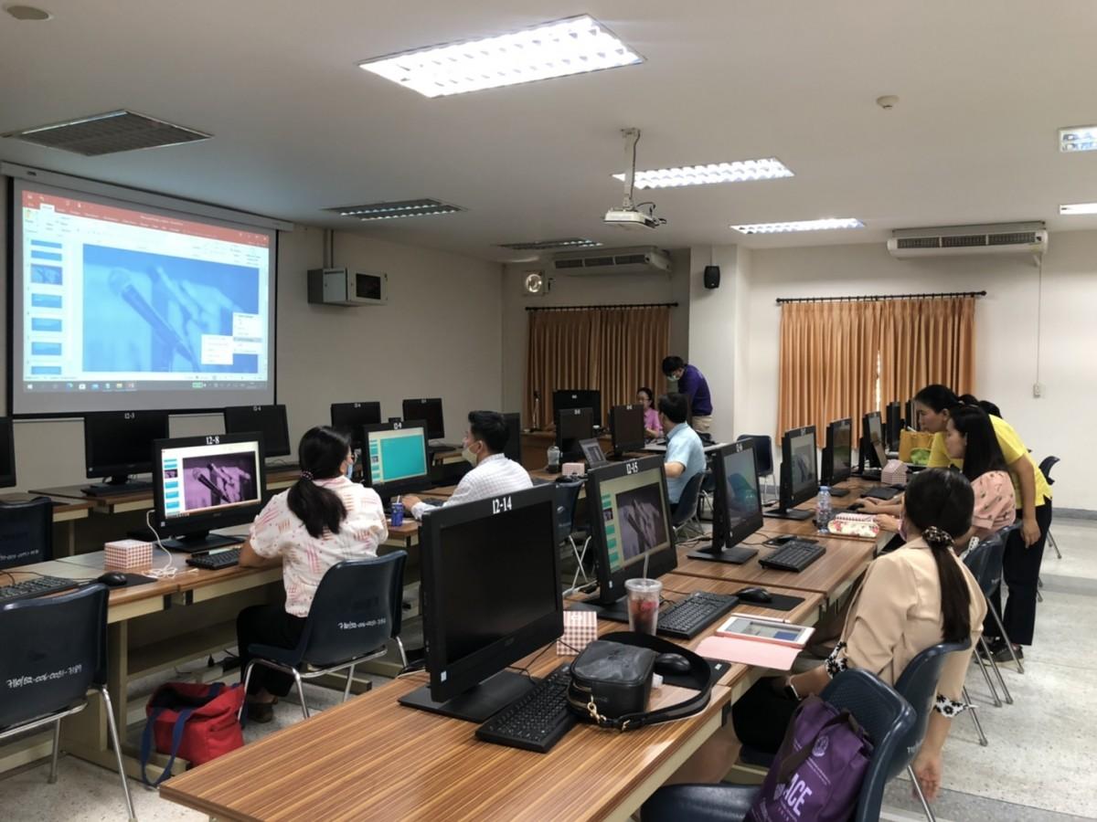 คณะศึกษาศาสตร์ มช. จัดการผลิตสื่อการเรียนการสอนคลิปวีดีโออย่างง่าย แก่คณาจารย์